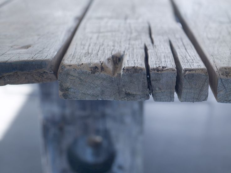 THORS Gaia with rustic surface - the historic traces in the reclaimed wood become a product feature
