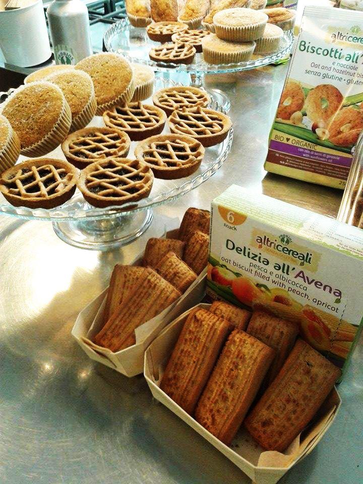 Una grande novità per tutti i celiaci: prodotti a base di avena senza glutine SCOPRI ALCUNE SEMPLICI ALTERNATIVE PER RENDERE GUSTOSI I TUOI PIATTI GLUTENFREE #glutenfree #lifeisfood #probios #bio #biscotti #prodotti vegani #prodottisenzaglutine #ricettesenzaglutine #gluten #good #food #slowfood #cereali  http://thelifestylejournal.it/2015/09/09/probios-prodotti-a-base-di-avena-anche-per-i-celiaci/