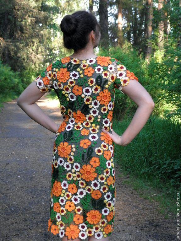 Купить или заказать Платье кружевное 'Солнечно' в интернет-магазине на Ярмарке Мастеров. Яркое и динамичное платье для уверенной в себе красавицы. Цветочные мотивы из хлопка собраны невесомой сеткой шелком для вышивки. Подклад не входит в комплект, изготовлю по Вашим индивидуал…