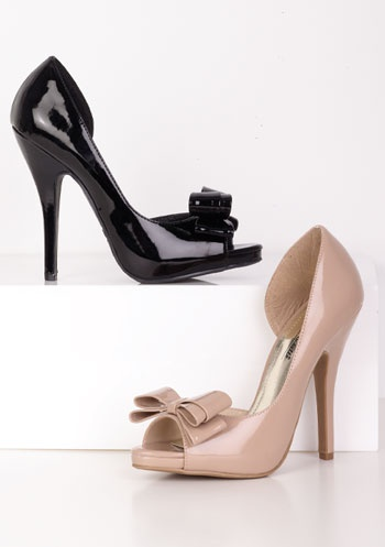 Obsessed with these shoes!!!Black And Nude, Dorsey Stilettos, D Orsey Stilettos, Bows Pump, Stilettos 3690, Nude Pump, Alloy Dorsey, Bows Bows Bows, Stilettos Bows