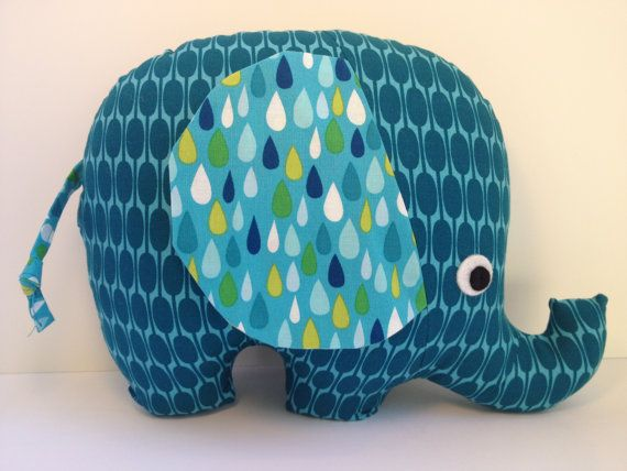 Elephant shaped homemade pillow - no sewing required Easy and simple DIY making pillow at home & 9 best elephants images on Pinterest | Baby elephants Plush and ... pillowsntoast.com