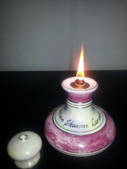 Lamparina feita de perfumeiro antigo