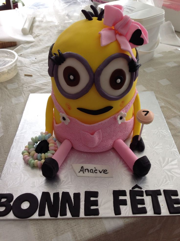 gâteaux minion en fille