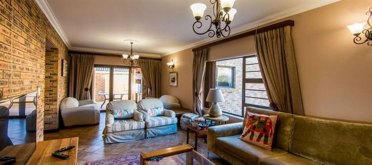 Buffalo Drift - 18 First Avenue - 18 First Avenue is the perfect getaway destination for a group of up to nine people. It is ideal for two families, one large family or groups of friends looking for accommodation that is central in Yzerfontein. ... #weekendgetaways #yzerfontein #southafrica