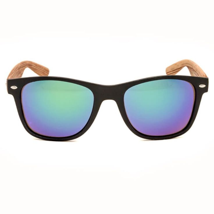 """Γυαλιά Ηλίου """"PAROTS"""". Ανάδειξε το προσωπικό σου στυλ διαλέγοντας ένα ιδανικό ζευγάρι γυαλιών ηλίου από τους μοναδικούς χρωματιστούς φακούς, με €14.90."""