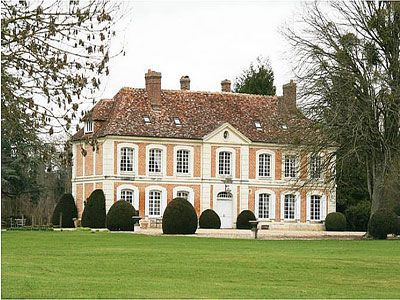French Chateau for sale in 27 - Eure , Normandy France. This beautiful XVIIIth-century Chateau in the Pays dAuge in Normandy is very well located, just 35km from Deauville and the coast and 180km from Paris, both easily accessible by train or autoroute. A small town 5km away provides shops, etc. The Chateau has recently been very carefully renovated and provides some 320m2 of living space.