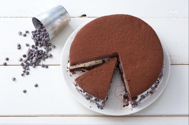 La torta gelato biscotto è un goloso dessert! Facile da preparare a casa e tanto buono proprio come quella che si acquista in gelateria!