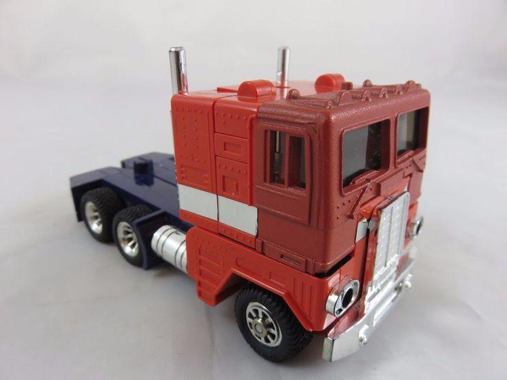 TRANSFORMERS AUTOBOT Optimus Prime LKW Robot G1