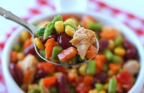 vegetable salad with tuna or chicken or sauasge or just veggies