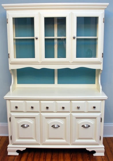 white china cabinet with a backsplash color