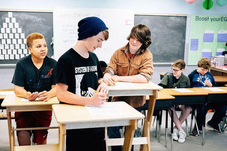Scrivanie regolabili per la scuola: perchè assumere una postura corretta fin da bambini.