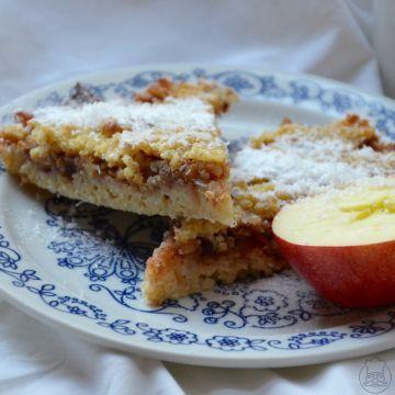 Zimní jáhelník s brusinkami a jablky - Teplý nebo studený, dezert nebo hlavní jídlo. Vždycky bude perfektní. Zimní jablečný jáhelník, bez lepku i mléka.