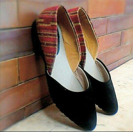 Aleria Black ● IDR 160 k   #shoes #flat shoes #batik #tenun #Indonesia #handmade #ootd #sotd #blackshoes #fashion #batikindonesia #sepatubatik