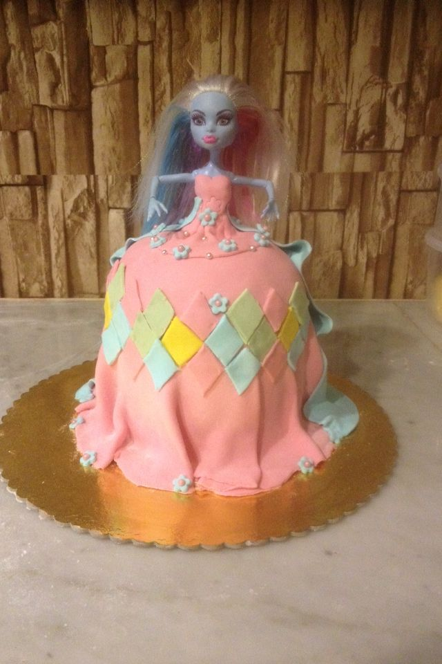 Monster high doll cake  12 inch