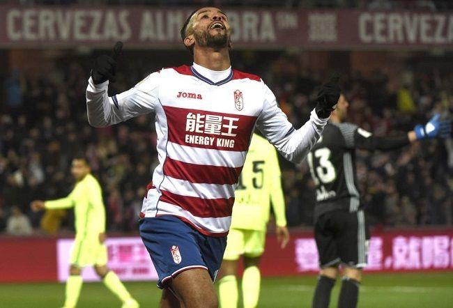 Granada salta al campo contra Betis con 11 jugadores - http://www.notimundo.com.mx/deportes/granada-campo-betis/
