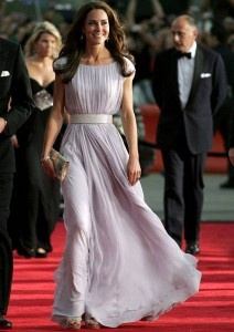 The Duchess of Cambridge proves that a modest look is absolutely stunning!
