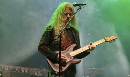 Compartir Publicar en Twitter + 1 Correo electrónico Loomis reemplaza al que hasta ahora era el guitarrista de la banda sueca de Death metal ...