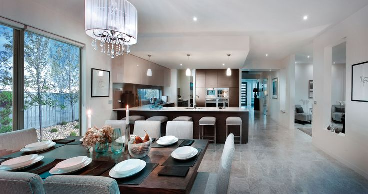 Metropol 39 entry, kitchen and dining.