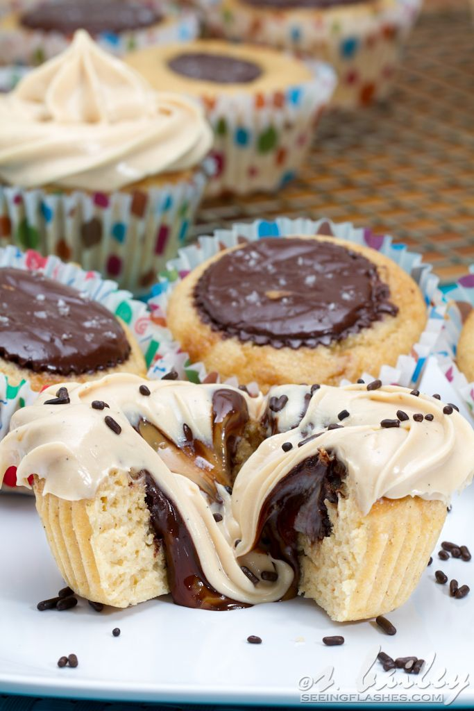 Vanilla bean cookie butter cup cupcakes with cookie butter cream ...