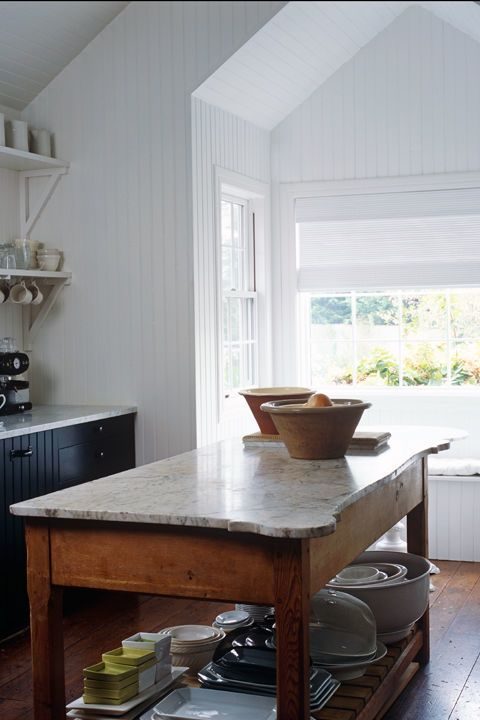 Most kitchens are a series of square and rectangular sections, so opting for other shapes can give your kitchen a cutting-edge look. A simple application: Choose circular posts for kitchen furniture. A bit more daring? Opt for a live edge wood slab atop your island or countertop.