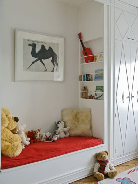 Boys' Rooms: Love this reading nook.