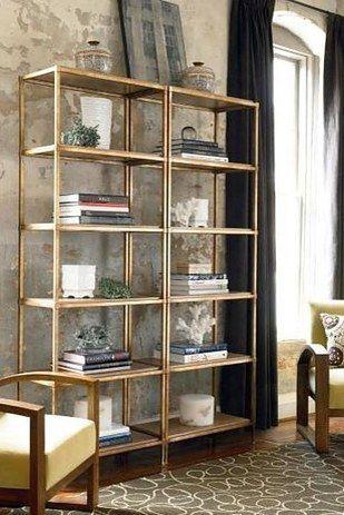 Usa pintura en aerosol color dorado.   24 maneras fáciles de hacer que tus muebles se vean más caros