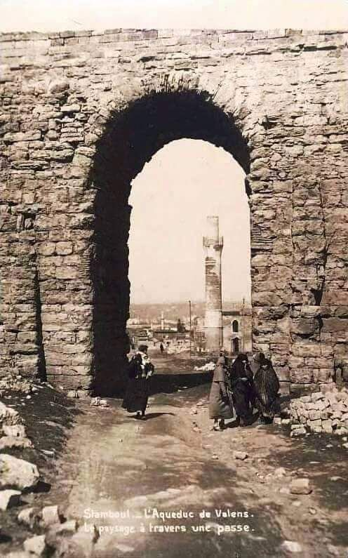 Bozdoğan Su Kemeri (Valens) (1900'lu yılların başı) #istanbul #birzamanlar #oldpics #istanlook #life