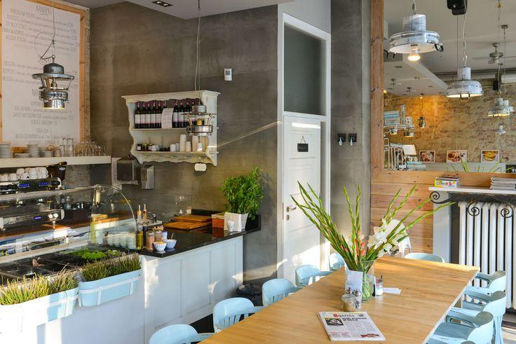 #Kawiarnia: Bułkę przez Bibułkę, ul. Puławska 24, #Warszawa. Godz. otwarcia: pn-pt 8-22, sob. 9-22, niedz. 9-16. Z #KofiUp zamawiasz: #Americano, #Espresso, #Kakao, #CafeAuLait, #Cappuccino, #Czekolada, #EspressoDoppio, #Latte
