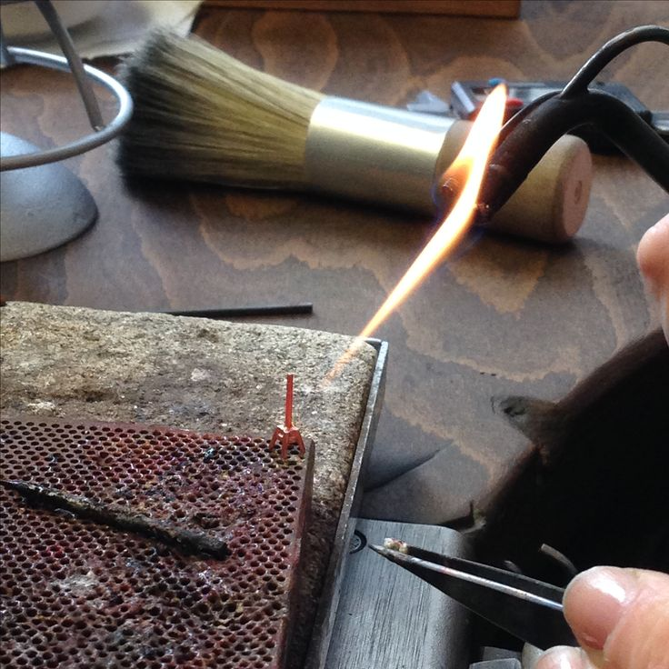 making earrings.. #jewelry #goldsmith #craftsmanship #earrings