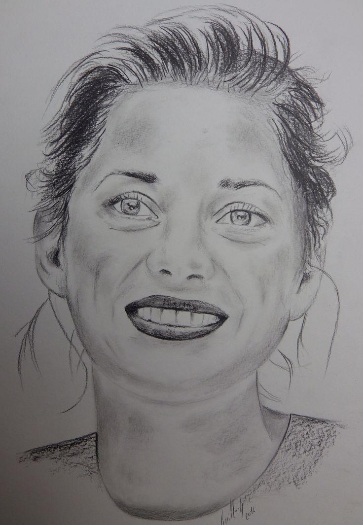 Marion Cotillard. Portrait au fusain