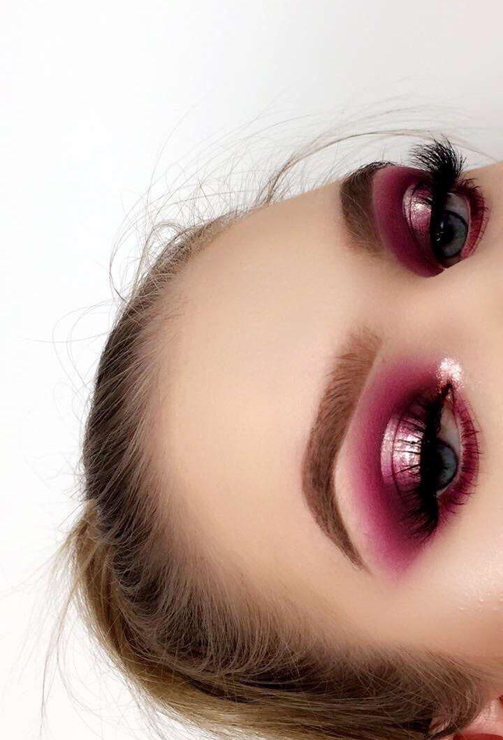 Metallic pink halo eyeshadow