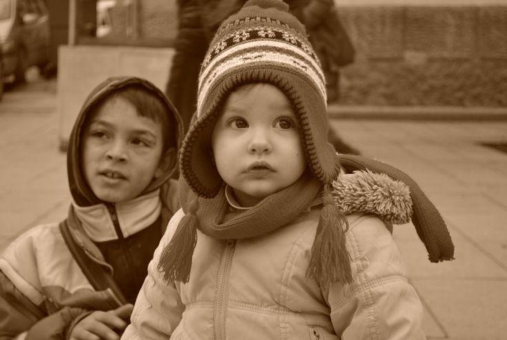 Pristina | Travel blog -  Roma Children
