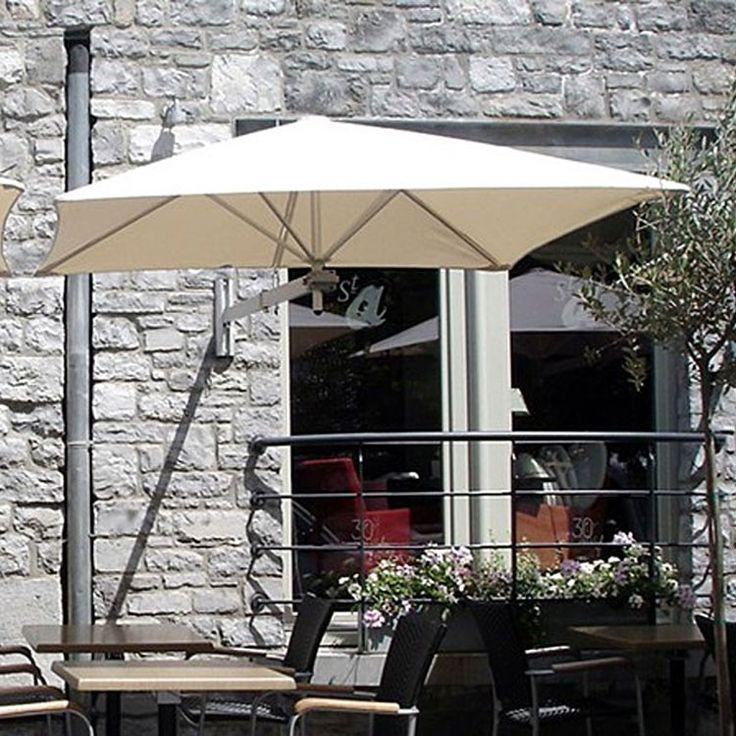 Wallflex Parasol mural carré 190 cm. Paraflex se compose d'un châssis recouvert d'une toile et d'un bras articulé. Vous pouvez ajouter un ou deux autres châssis sur un même mât et constituer un grand parasol unique. #jardin #extérieur #piscine #relaxation #Parasols