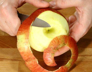 Sbucciare e tagliare una mela