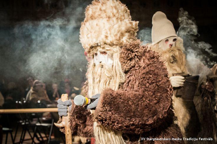 XV Starptautiskais Masku Tradīciju Festivāls / XV International Mask Tradition Festival // Masku grupu saiets un rituālās darbības / Masked group gathering and ritual activities // Vecīši / Katlakalna / Rāmupe // Datums / Dates / 15 - 2 - 2014 // Fotogrāfs / Photo / Jordi NN