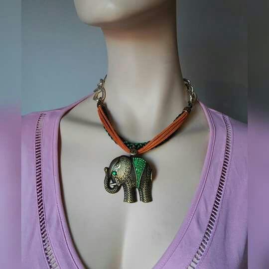 Aluminio, ante, cordón de seda... ideas que nacen mezclando materiales. Collar Luvjan Elep   www.facebook.com/bycosmicgirl