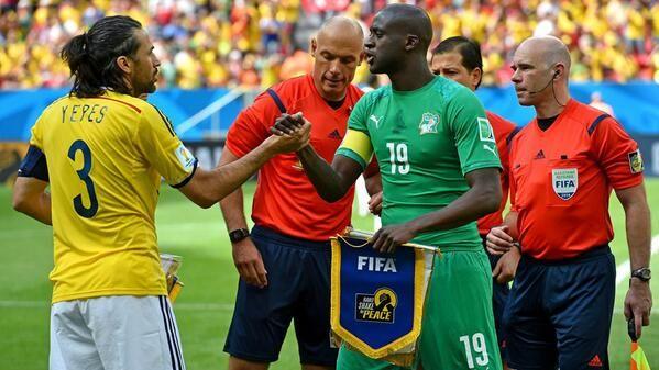 Le super solo de Yaya Touré vs Colombie (vidéo) - http://www.actusports.fr/107036/super-solo-yaya-toure-vs-colombie-video/