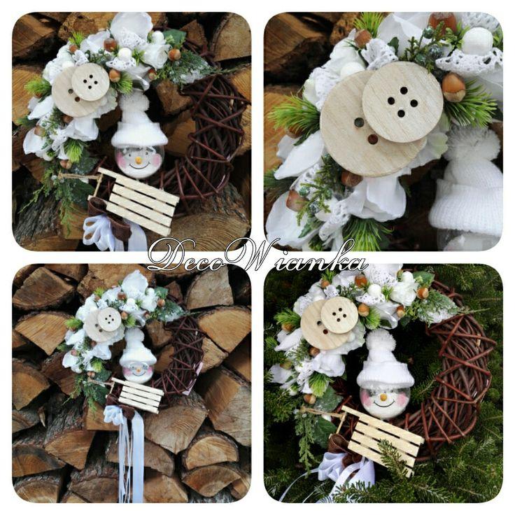 Wianek dekoracyjny,kompozycja kwiatowa,zimowy