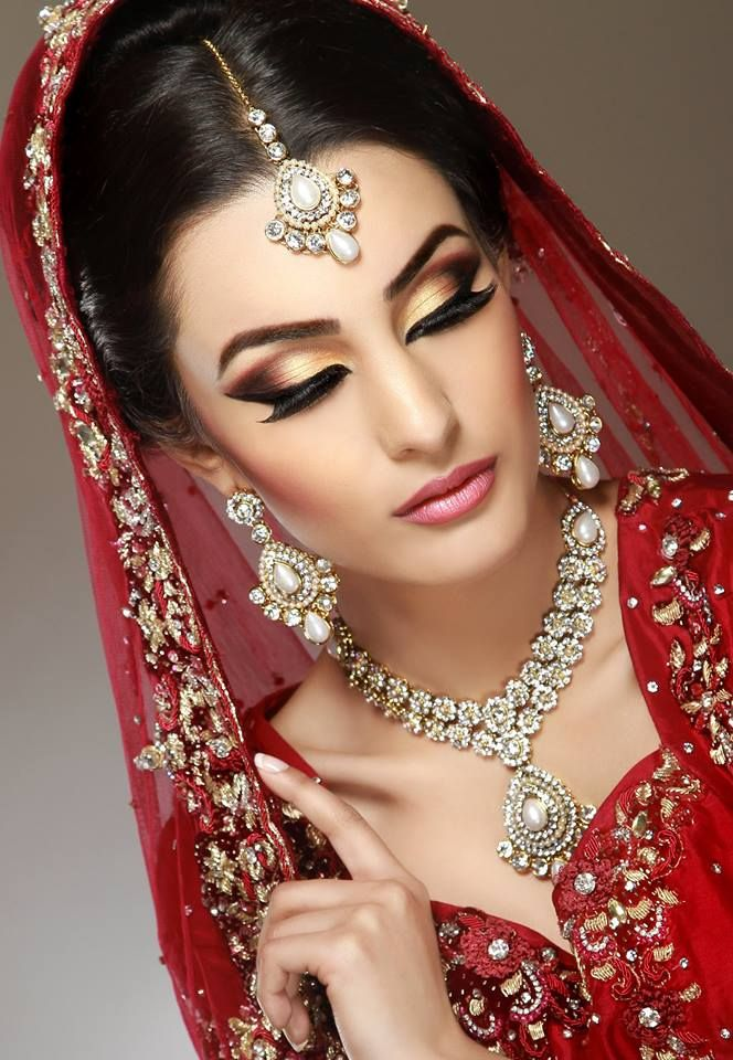 Best 25+ Indian Bridal Makeup Ideas On Pinterest | Indian Wedding Makeup Indian Makeup Before ...