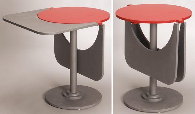 un tavolo con due prolunghe che da tondo diventa rettangolare