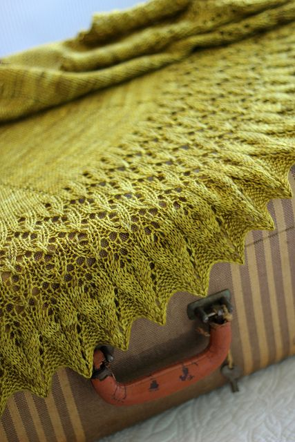 Occitan by DisgruntledOwl, via Flickr. Ravelry Project. http://www.ravelry.com/projects/Owlish/occitan