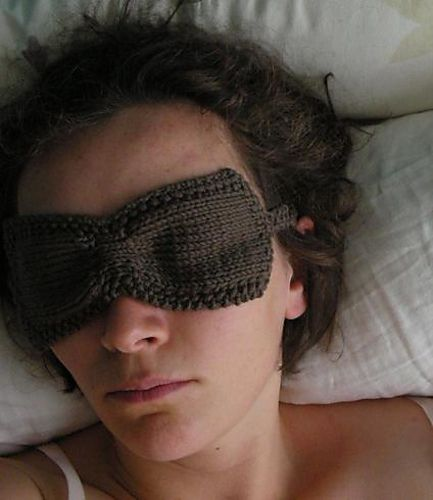 Healthandyoga Relaxing Gel Eye Mask with Stick-On Straps