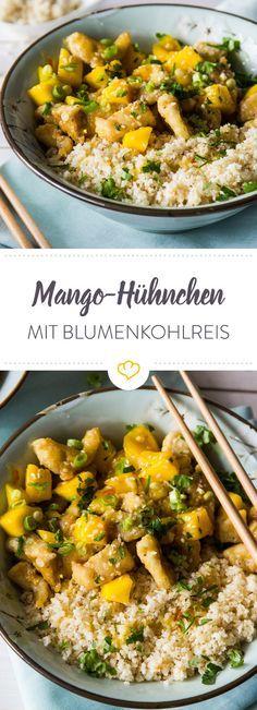 Du denkst es ist Reis, aber in Wahrheit ist es Blumenkohl, der sich zu Hühnchen und Mango in einer fruchtigen Sauce gesellt. Deine schnelle Alternative.