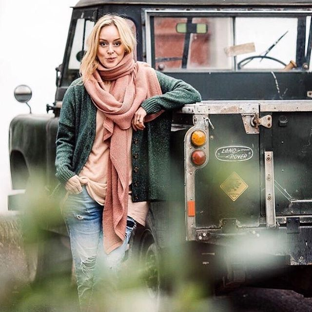 4458 Best Land Rover Images On Pinterest: 782 Best Images About Land Rover Girls (series & Defenders