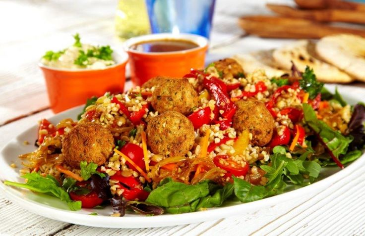 This makes a great sharing platter or summer lunch with its combination of textures and Middle Eastern flavours.