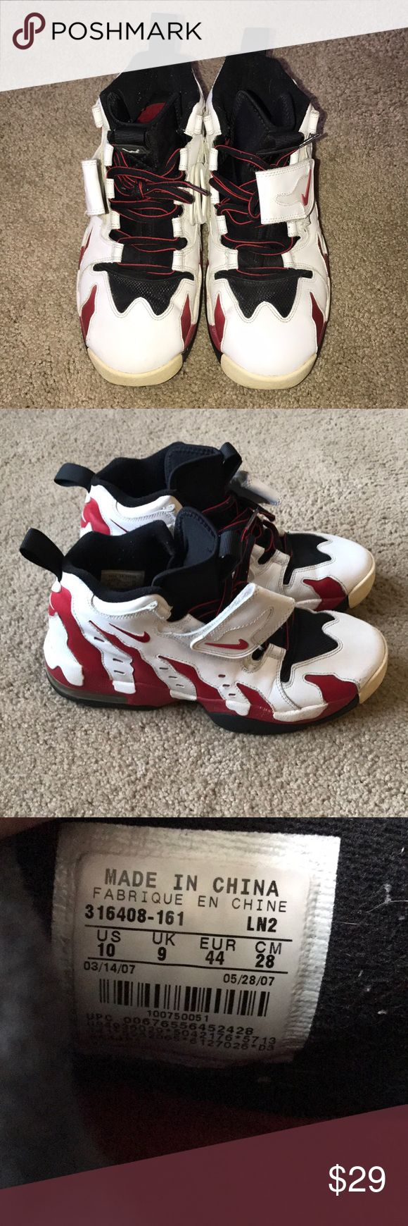 Deion turf shoes sz 10 OG colorway. Worn a ton of times, solid 7/10 condition. Some slight cracking on side and couple scratches as well. No box Nike Shoes Athletic Shoes