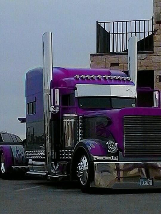 LIKE Progressive Truck Driving School: www.facebook.com/... #trucking #truck #driver AWESOME RIG !!