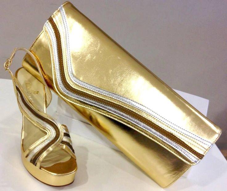 Gold sandal and pochette