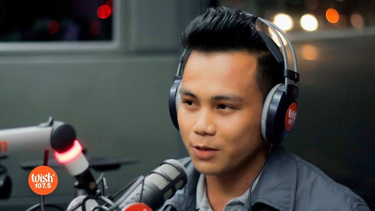 """Noven Belleza covers """"Here I Am"""" (Air Supply) LIVE on Wish 107.5 Bus - WATCH VIDEO HERE -> http://philippinesonline.info/trending-video/noven-belleza-covers-here-i-am-air-supply-live-on-wish-107-5-bus/   WATCH: Tawag ng Tanghalan grand winner Noven Belleza delivers a hair-raising cover of Air Supply's """"Here I Am"""" during his stint on the Wish 107.5 Bus.  Belleza was a farmer from Negros Occidental before he was heralded as the grand champion of """"Tawag"""