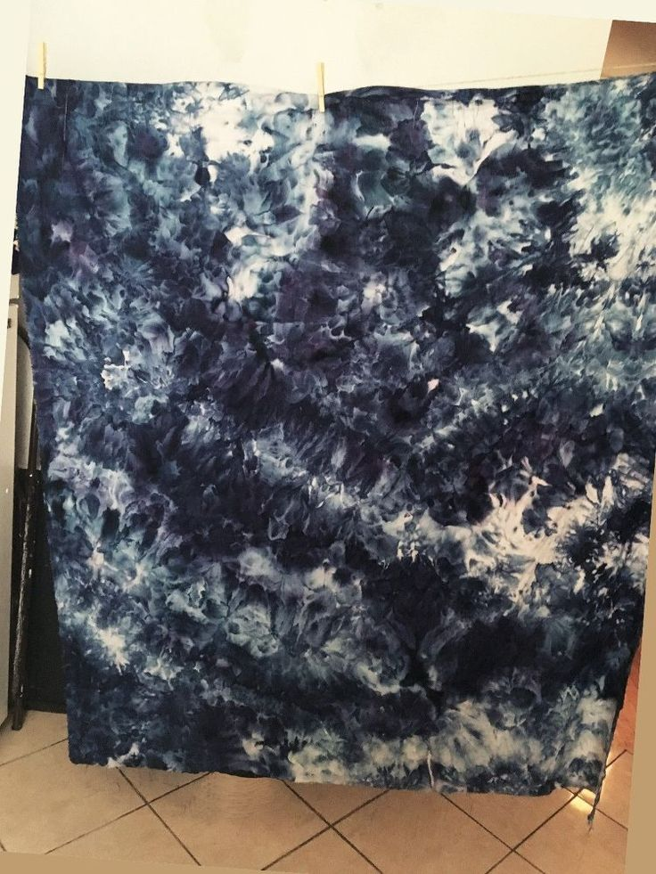 How to Ice Dye a Linen Beach/Picnic Blanket http://www.hometalk.com/17790085/ice-dyed-linen-beach-picnic-blanket?se=fol_new-20160630-1&date=20160630&slg=7197586be7cbd7ae9adee91970a3cfcf-1110481
